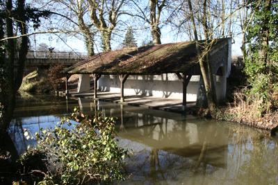 Le lavoir de Pont-aux-Moines sur le Cens