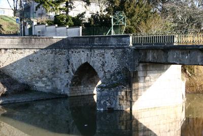 Ancienne arche du pont Auger